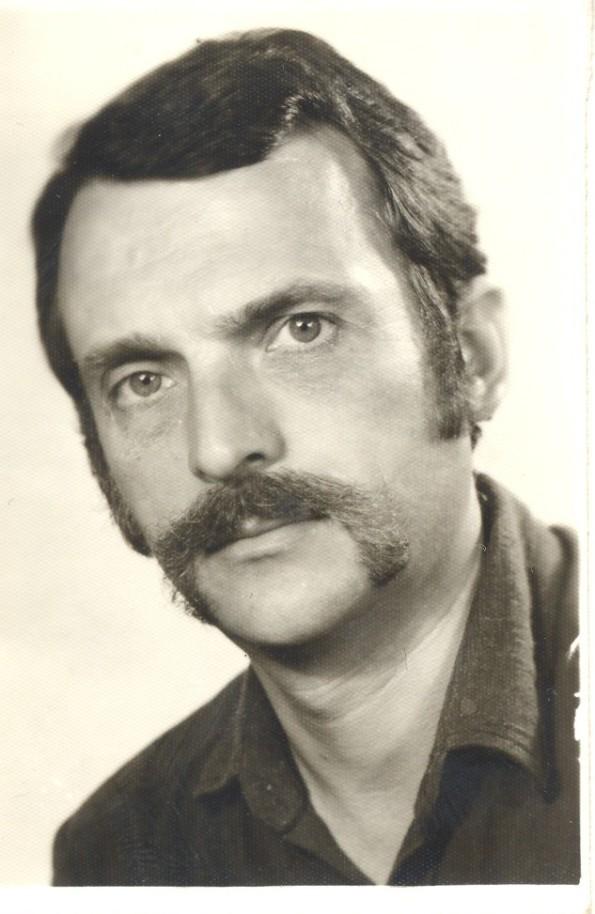 Eugen Dorcescu tânăr