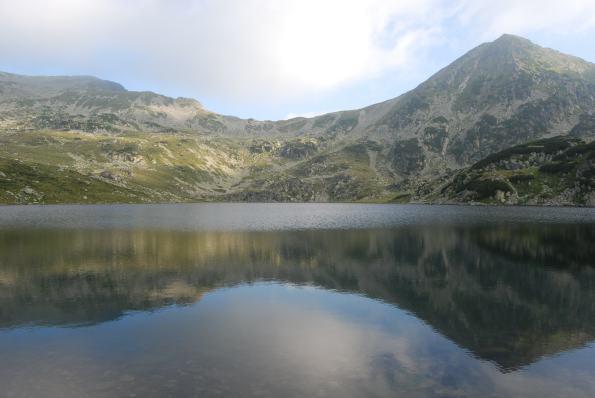 Retezat_Mountain_-_Bucura_Lake_01